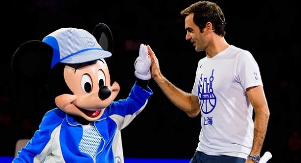 Federer Shanghai Mickey Mouse dance